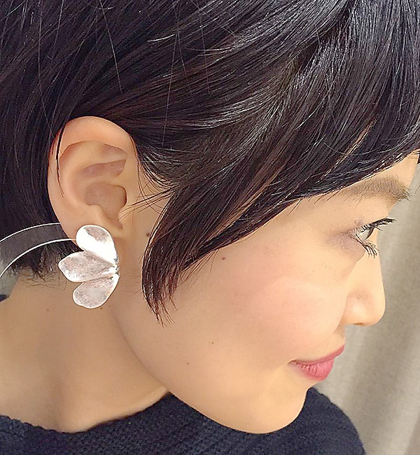 【イアパピヨネ/ear PAPILLONNER】 メタルフルールピアス [送料無料]