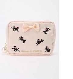 【メゾンドフルール/Maison de FLEUR】 プードル刺繍スクエアポーチ [送料無料]
