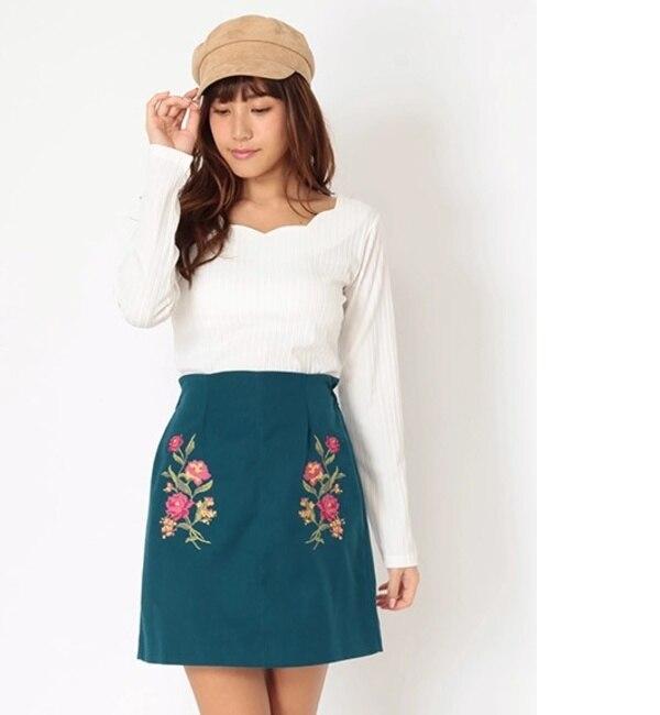デジタル刺繍タイトスカート