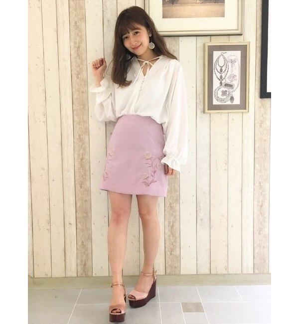 【ダズリン/dazzlin】 刺繍台形スカート