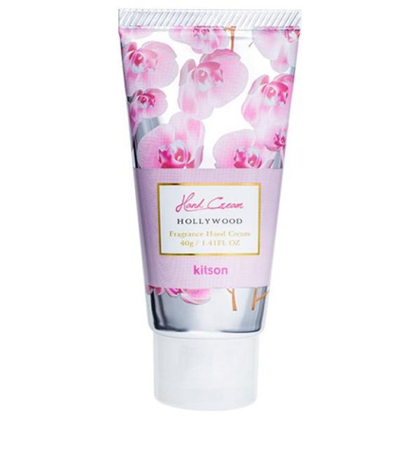【アットコスメストア オンライン/@cosme store online】 キットソン ハンドクリーム スウィートフローラルの香り「HOLLY WOOD」 [3000円(税込)以上で送料無料]