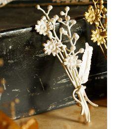 【エムスール/m.soeur】 カモミールとミモザの花束ブローチ*シルバー [送料無料]