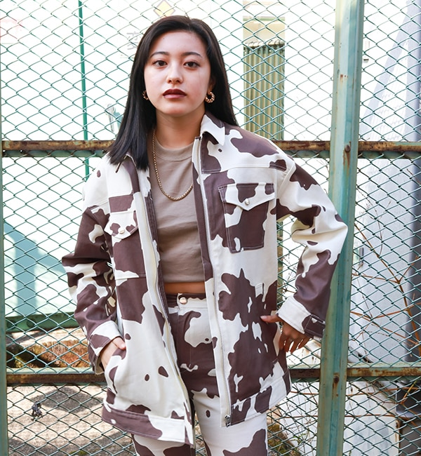 atmos pink COW柄 ツイル ジャケット BROWN 21SP-I